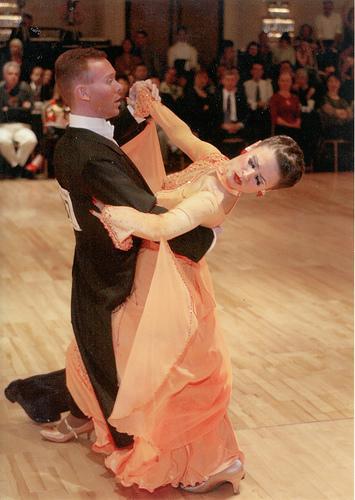 Tango Contracheck on Salsa Dance Steps